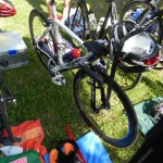 Das Bike von Triathlet Philipp Heinz, im Wechselgarten ist alles vorbereitet_28. Leipziger LVB Triathlon 2011